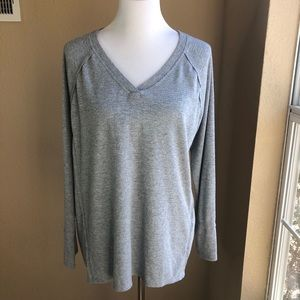 Wildfox v neck gray soft brushed thermal top sz L